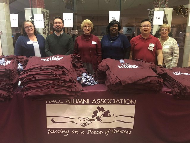 HACC Alumni Volunteer